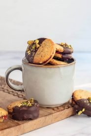 Raspberry Pistachio Biscuits
